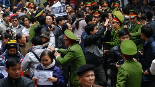 Biểu tình ở Hà Nội 9/12/2012