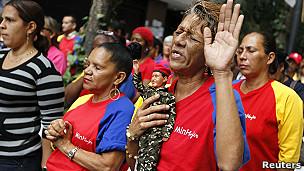 Simpatizantes de Chávez rezan en Caracas