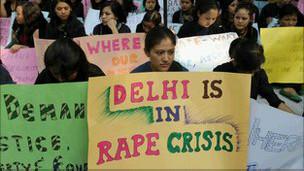 Manifestación de mujeres contra las violaciones