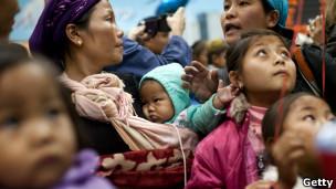اعضای قبیله بنی مناشه در فرودگاه تل آویو