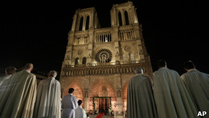 Missa pelos 850 anos de Notre Dame, no último dia 12 (AP)