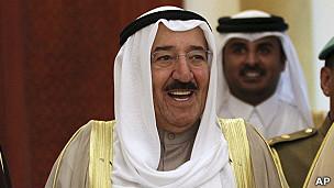 Tuitero de Kuwait preso por dos años por supuestamente insultar al emir