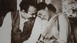 காமினி ஃபொன்சேகா, மாலினி ஃபொன்சேகா இருவரும் நடித்த திரைப்படம் நிதானய