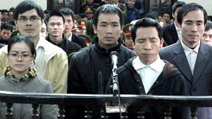 Hình ảnh phiên tòa ở Nghệ An