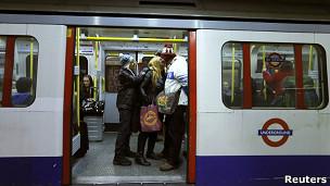 Metrô Subway de Londres, o mais antigo do mundo, completou 150 anos nesta semana