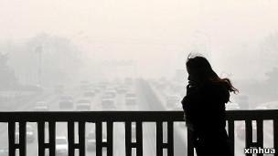 1月12日,北京西二环广安门桥。(新华社图片)