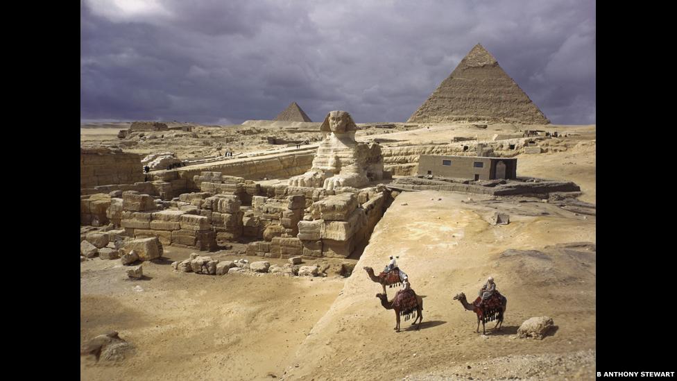 Pirâmides de Gizé, Egito, 1938. Foto de B. Anthony Stewart