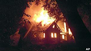 Casa de Luchsinger en llamas