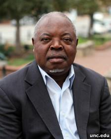 دکتر جرج زانگولا، استاد تاریخ آفریقا در دانشگاه کارولینای شمالی