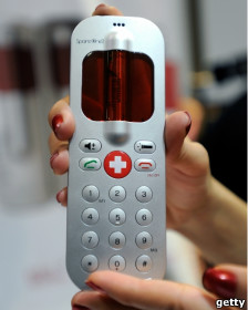 130117050328 mobile handy 224x280 getty - پندرہ برس تک چلنے والی فون کی بیٹری