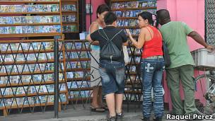 Puesto de películas pirata en La Habana