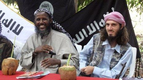 Omar Hammam a la derecha