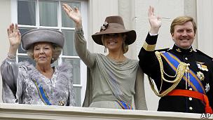 La reina Beatriz, Máxima y su hijo Willem-Alexander