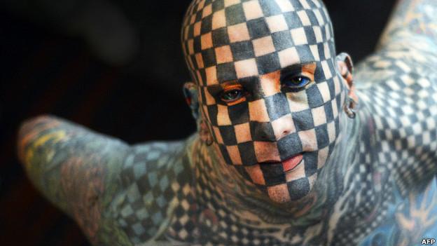 Matt Gone, người Mỹ, tại triển lãm xăm ở Venezuela. Ảnh: Juan Barreto (AFP/Getty Images)