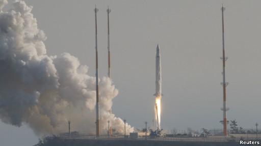 Peluncuran roket Korea Selatan