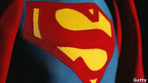 Ser un superhéroe en lo virtual nos hace mejores personas en vida real