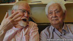 Eric Henry và Phạm Duy trong một lần tranh luận tại Sài Gòn