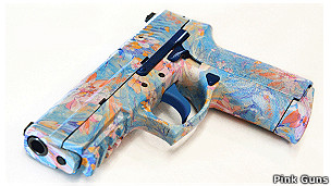 Pistola personalizada en la tienda Pink Guns en internet. Foto: pinkguns.com