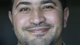 Ashraf Khalil, periodista