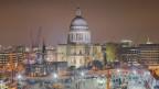 Các tòa nhà lớn đang xây ở London
