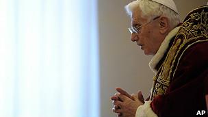 教皇本笃十六世在梵蒂冈与枢机主教们开会时讲话(11/2/2013)