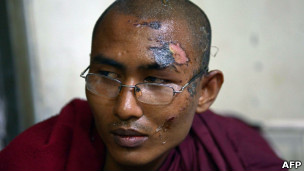 反对中缅合资铜矿的缅甸僧人