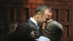 Pistorius khóc tại tòa