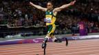Sem direito a fiança, Pistorius permanece sob custódia da polícia ...