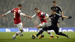بايرن ميونيخ الالماني يهزم أرسنال اللندني على ارض الاخير بثلاثة اهداف لهدف واحد، وذلك في مباراة الاياب في دور الـ 16 لبطولة دوري ابطال أوروبا بكرة القدم.