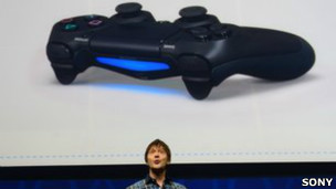 130221024409 ps4 304x171 sony  ¿Qué tiene de nuevo la consola PlayStation 4?
