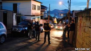 Policiais catarinenses participam de operação durante onde ataques de facção criminosa (foto: Jaqueline Noceti / SECOM)