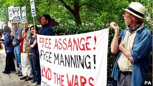 Manifestación a favor de Manning