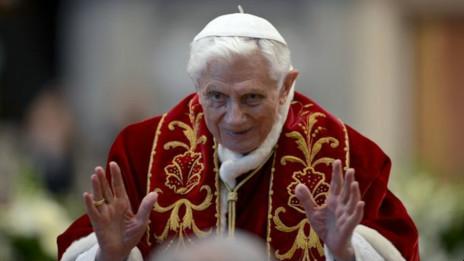 El Papa renuncia