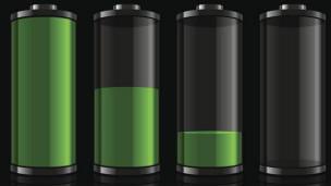Un teléfono que puede recargarse con orina 130301043645_battery_smartphone_304x171_bbc_nocredit