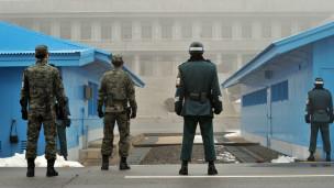 كوريا الشمالية تلغي معاهدة السلام مع الجنوب 130306084822_cn_panmunjom_304x171_afp_nocredit