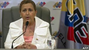Tibisay Lucena, chefe do Conselho Eleitoral (foto: AP)