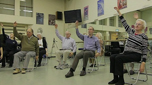 El bailar ayuda a las personas con Parkinson