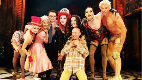 Richard O´Brien e os atores de Rocky Horror Show