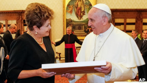 Dilma e o papa Francisco no Vaticano
