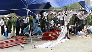 Pháp y trung ương đang khám nghiệm tử thi Nguyễn Tuấn Anh
