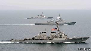 Manobras navais dos EUA e da Coreia do Sul na península coreana