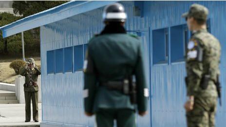 Soldados coreanos y norteamericanos