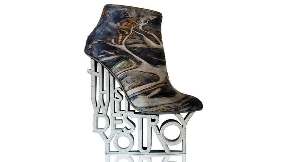 La sorpresiva imagen de los zapatos radicales