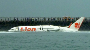 Aeronautica Civil. Noticias,fotos,videos, opiniones,etc. 130413124515_plane_crash_bali_all_survive_304x171_afp_nocredit