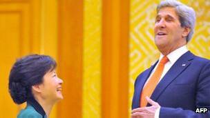 John Kerry y Park Geun-hye