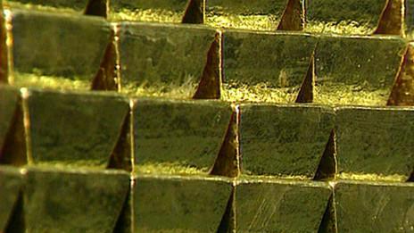 Devaluación del oro