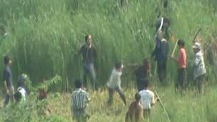 Cena de vídeo que mostra violência em Mianmar