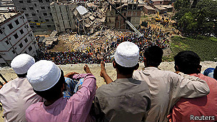 Mirando los escombros