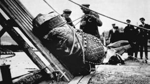 Уничтожение памятника Николаю II в Москве