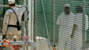 Prisioneiros em Guantánamo (Foto Getty Image)